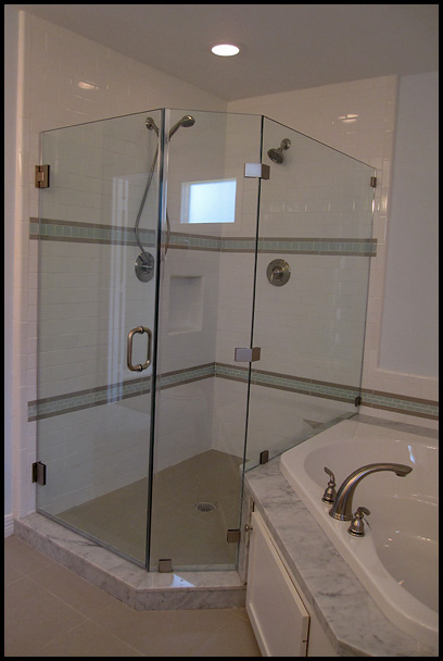 Two shower heads for maximum fun! You can rent this house with a friend!